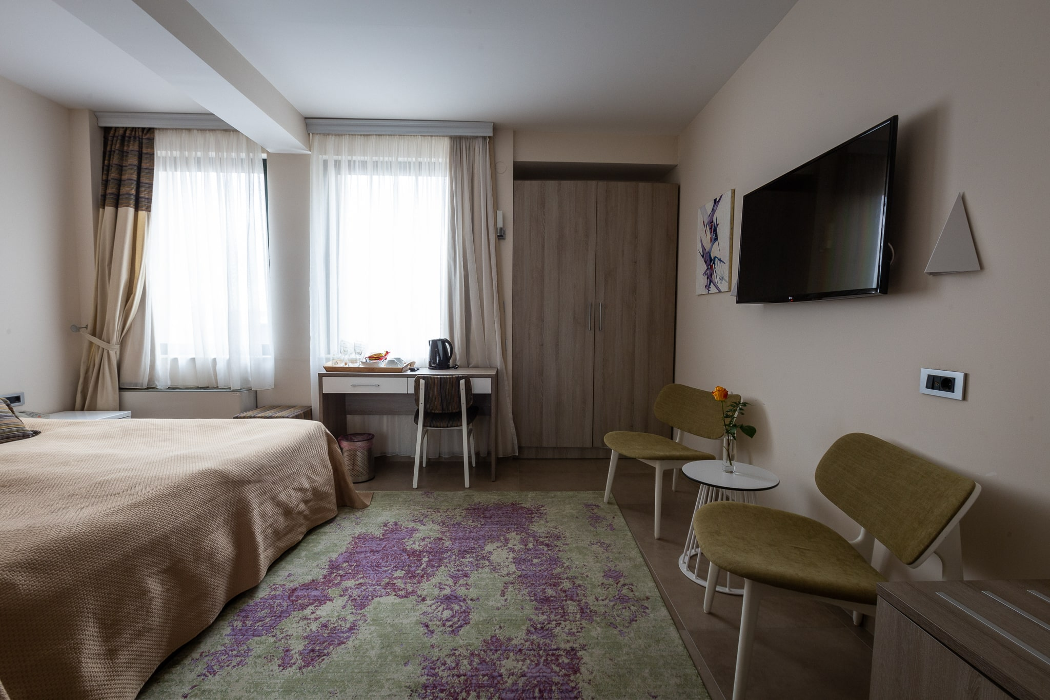 2nd Floor – Double Room French Bed
