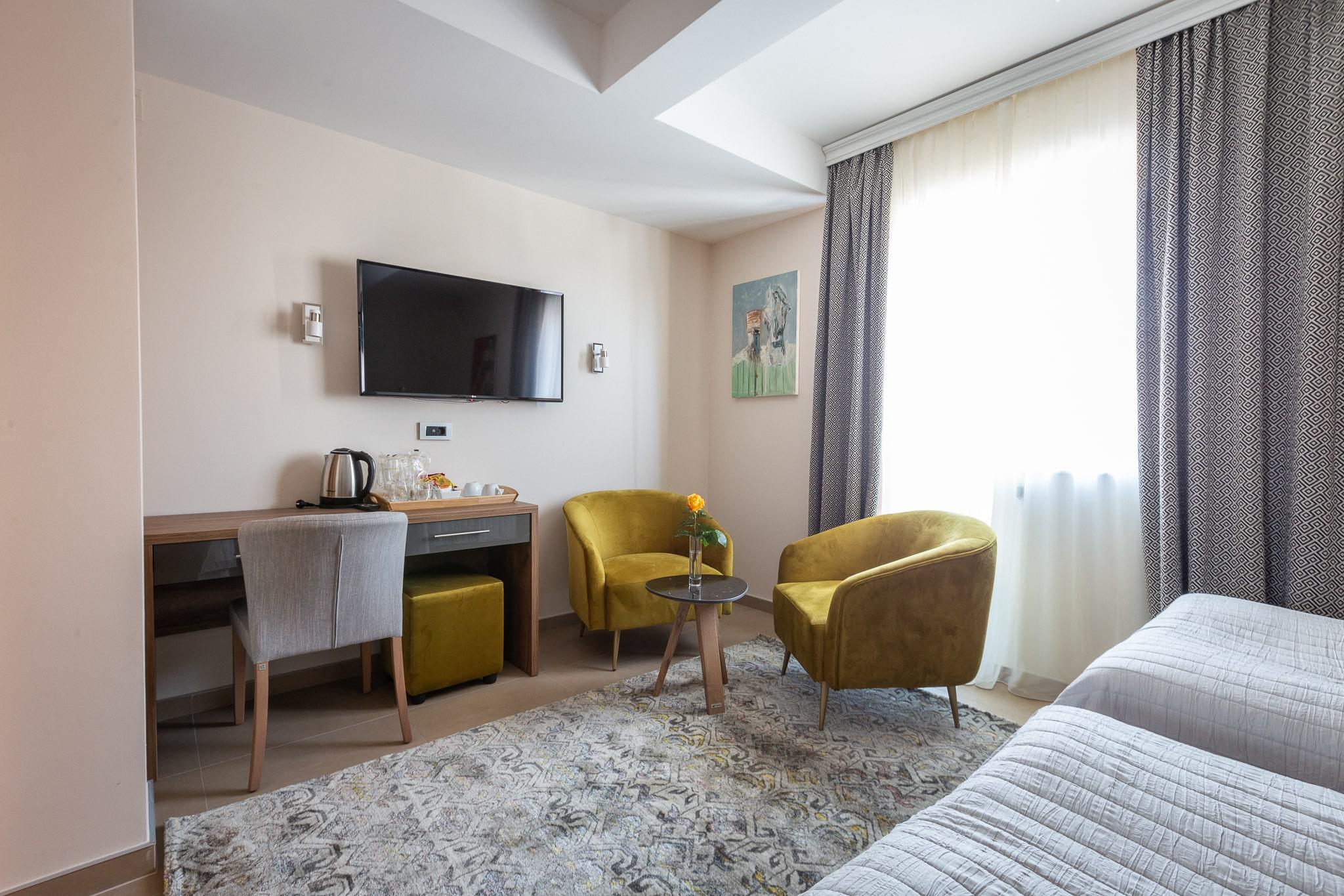 3rd Floor Double Room Two Beds